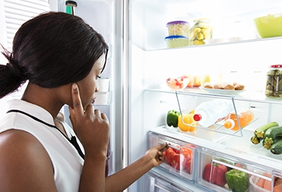 How long to wait before putting food in the refrigerator
