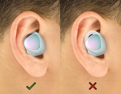 Person wearing the Galaxy Buds plus correctly with a green check mark and incorrectly with a red X