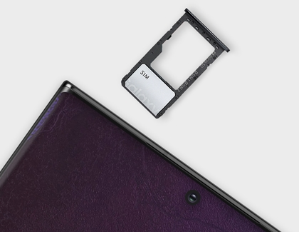 Galaxy Note 20 sim tray being removed