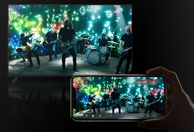 Someone streaming from iphone to a Samsung TV with Airplay 2