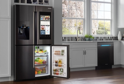 Family Hub refrigerator with flexzone open