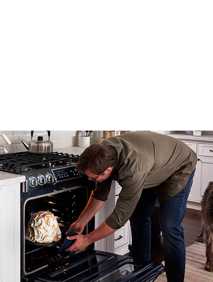 Oven Ranges: Gas, Electric & Dual Fuel Stoves | Samsung US on rustic european kitchen, ultra traditional kitchen, retro european kitchen, ultra contemporary kitchen, ultra modern country kitchen, ultra modern white kitchen, country european kitchen, ultra modern office kitchen,