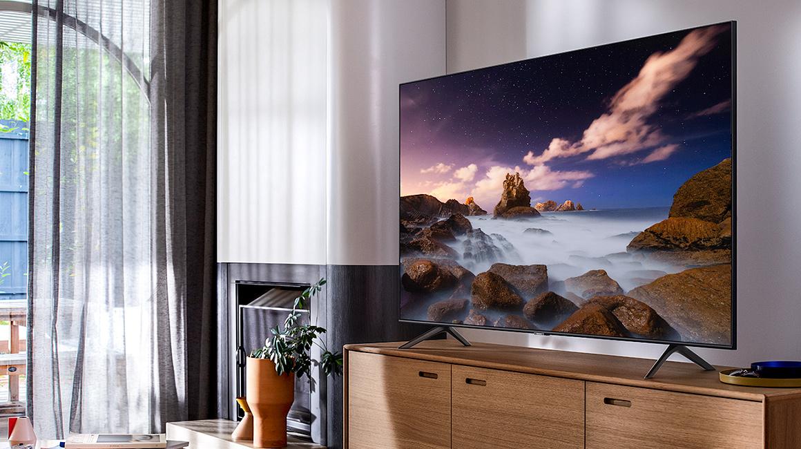 """Samsung 43"""" Class Q60T QLED 4K UHD HDR Smart TV (2020), TITAN GRAY"""