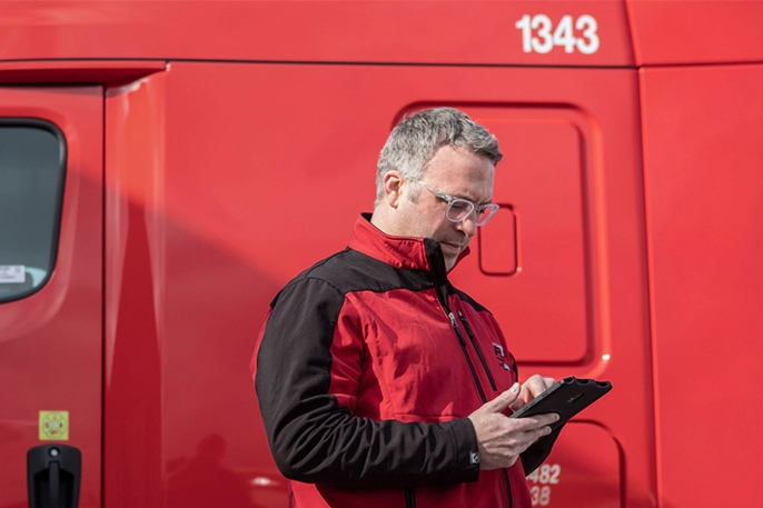Paper Transport Increases Driver Retention and Fleet Safety with Rugged Devices