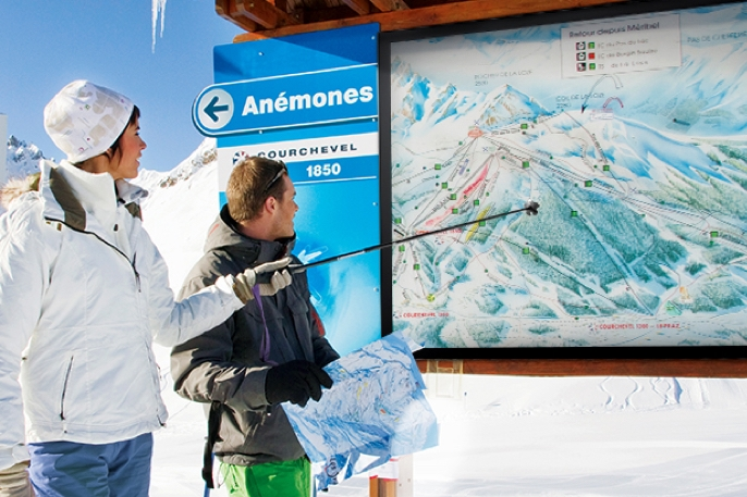 outdoor signage for extreme temperatures