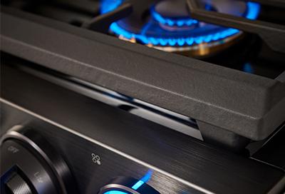 Blue flames on a Samsung gas range