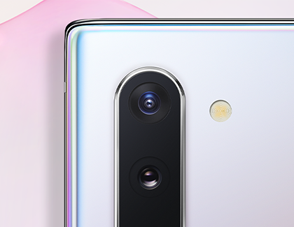 Picture of Note 10 camera on cool background
