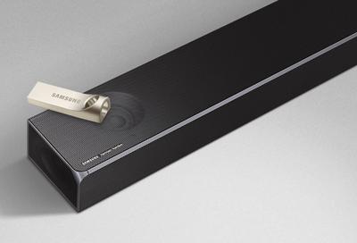 Samsung soundbar with a USB thumb drive