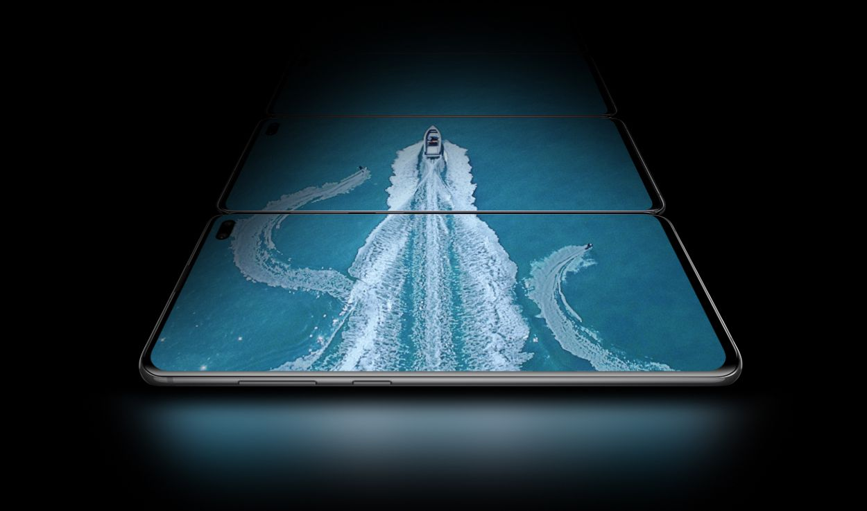 Speed Boat on Water Riding Wake Through Samsung Galaxy S10e, S10, and S10+ Phones - Design and Fingerprint Scanner Details