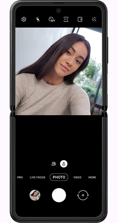 Samsung Galaxy Z-flip 5G smartphone